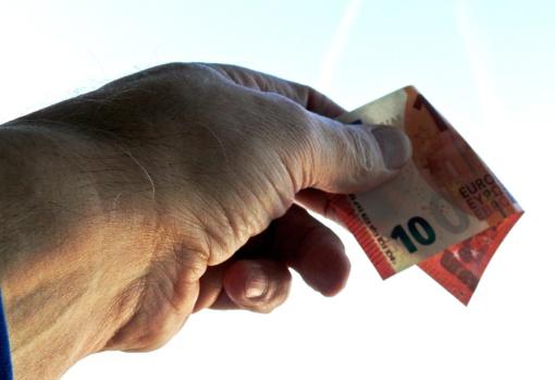 Molėtuose – padirbti banknotai