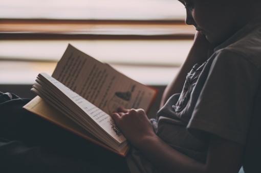 Karantino galimybės: aptarkite su vaiku asmeninės erdvės taisykles šeimoje