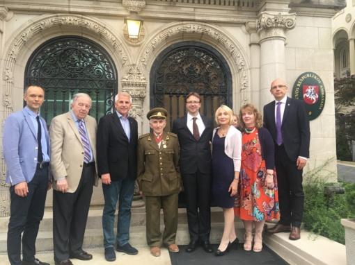 Lietuvos ambasadoje Vašingtone apsilankė laisvės kovų dalyvis J. Jakavonis-Tigras