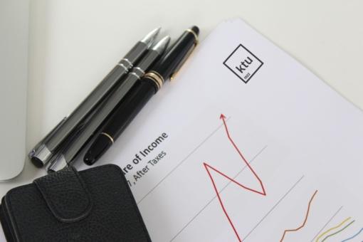 Apskaitos profesionalo kasdienybė: nuo mokesčių skaičiavimo iki pagalbos įmonei priimant sprendimus