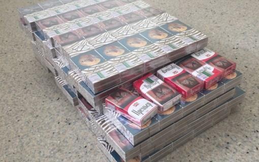 Raseinių rajono policijos pareigūnai ieškojo vogtų pušelių, tačiau rado kontrabandinių cigarečių