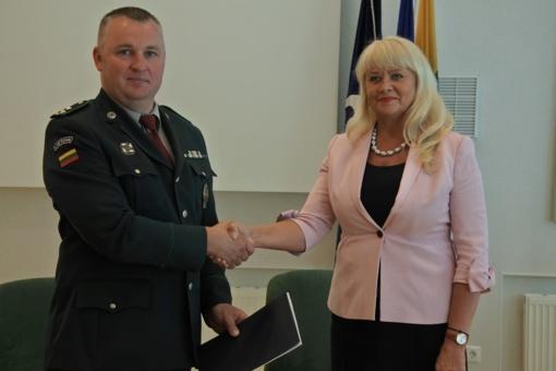 Visagino savivaldybė pasirašė bendradarbiavimo sutartį su Ignalinos pasienio rinktine