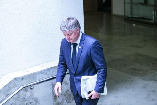 Ministras K. Navickas išsaugojo postą