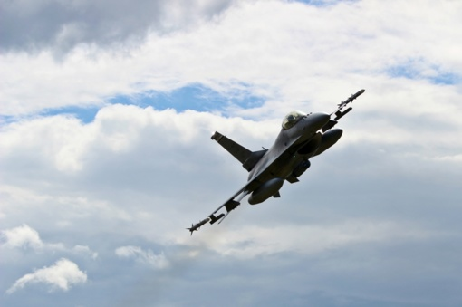 Lietuvos poligone pirmą kartą įvykdyta oro ataka iš naikintuvų F-16 su kovinėmis bombomis