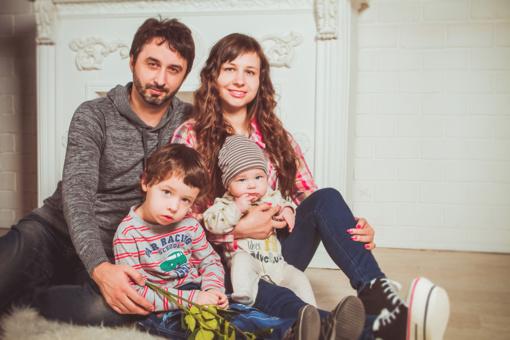 Seimas nusprendė teikti paramą jaunoms šeimoms įsigyti pirmąjį būstą regionuose