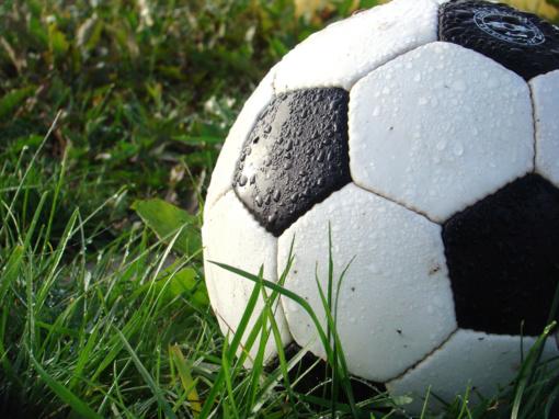 Futbolas birželiui tinka
