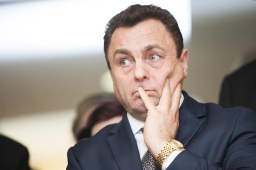 Neketinantis trauktis iš partijos P. Gražulis: R. Žemaitaitis turi trauktis