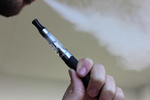 Seimas nusprendė akcizais apmokestinti elektronines cigaretes