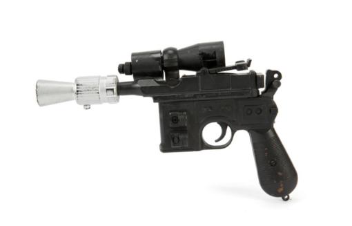 """Hano Solo ginklas iš """"Džedajaus sugrįžimo"""" aukcione parduotas už 550 tūkst. dolerių"""