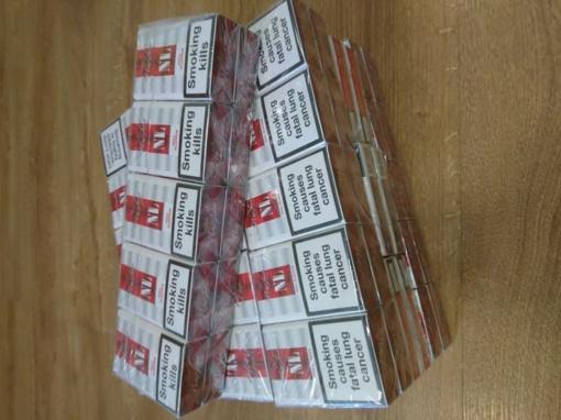 Pakruojo r. Javydonių k. rasta kontrabandinių cigarečių