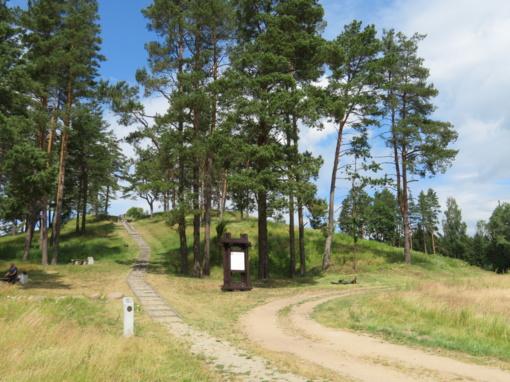 Peizažo perliukas – Moškėnų piliakalnis