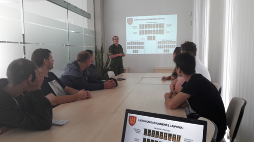 Biržų Jaunimo darbo centre susitikimas su Karo prievolės atstovu
