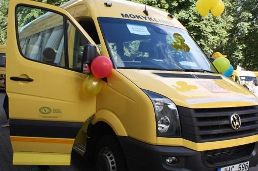 Rajono gimnazijoms – nauji autobusai