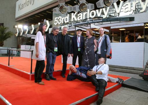 """Karlovy Vary festivalyje - išskirtinis dėmesys A. Stonio filmui """"Laiko tiltai"""""""