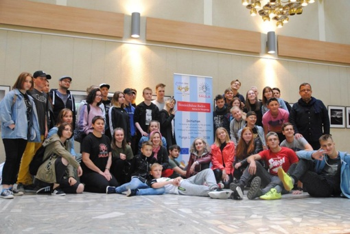 """Įvyko pirmasis ilgalaikio Plungės kultūros centro teatro """"Saula"""" ES programos Erazmus+ projekto etapas"""
