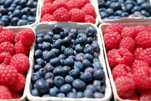 Inspektoriai tikrina prekyvietėse parduodamų vaisių ir daržovių kokybę