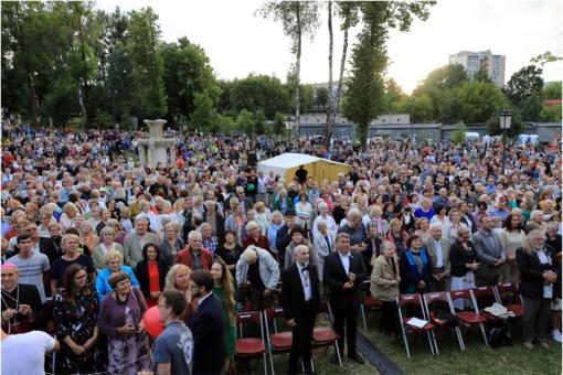 Valstybės dieną Šiauliai sveikino Lietuvą (fotogalerija)
