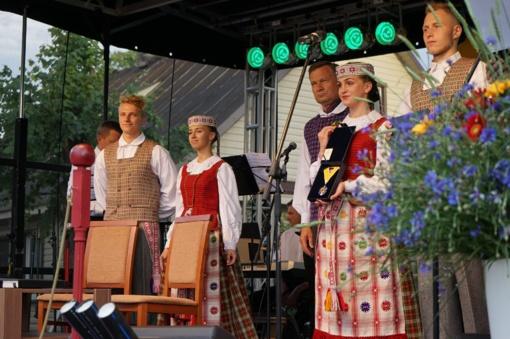 Alytaus rajone, Dauguose tradiciškai ir iškilmingai paminėta Valstybės diena