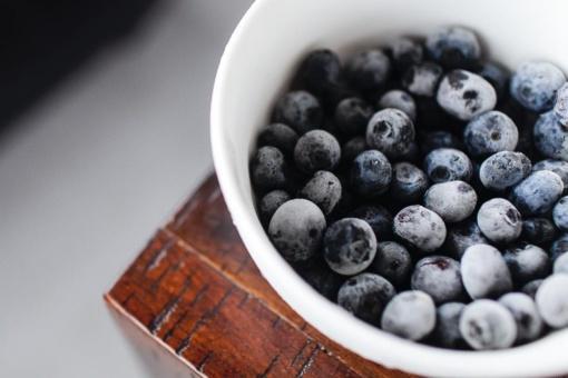 Uogų šaldymo metas: Tiesa ir mitai apie šaldytus maisto produktus