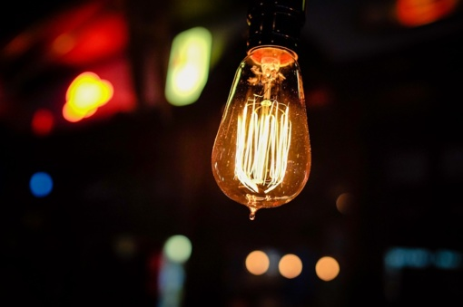 Nuo spalio elektrą ir dujas gyventojai galės įsigyti iš vieno tiekėjo