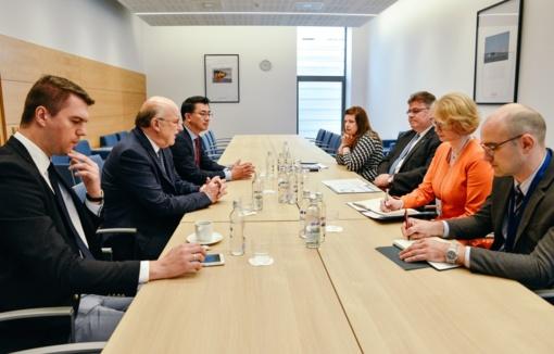 """L. Linkevičius susitiko su """"The Heritage Foundation"""" atstovais"""