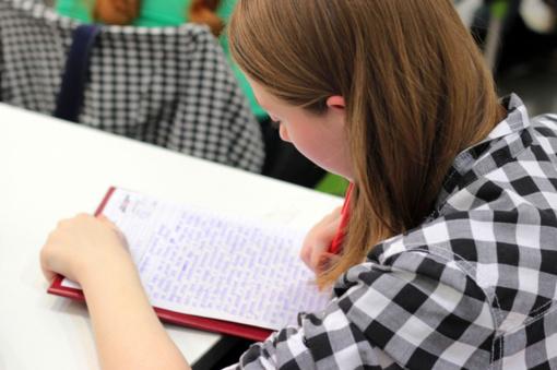 Abiturientai džiaugiasi daugiau nei septyniomis dešimtimis šimtukų