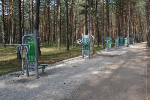 Varėnos rajone įrengti lauko treniruokliai ir sporto aikštelės