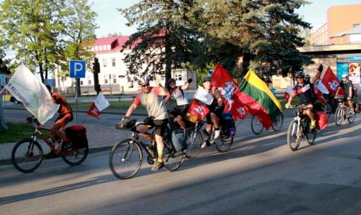 Lazdijuose sutikti 100-čio dviračių žygio aplink Lietuvą dalyviai