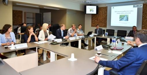 Valstybės ekstremaliųjų situacijų operacijų centro nariai aptarė situaciją žemės ūkyje