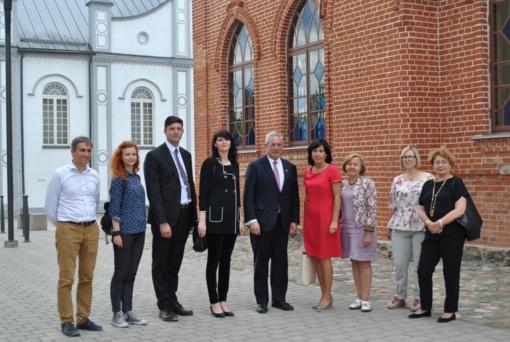 Joniškyje lankėsi Amerikos paveldo užsienyje priežiūros komisijos pirmininkas