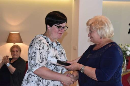Šimtmečio dainų šventės dalyviams iš Marijampolės - merės padėkos ir atminimo medaliai
