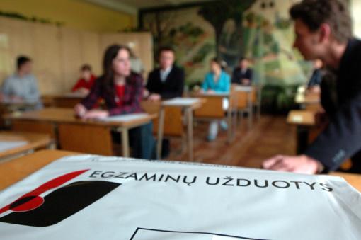 Abiturientai šeštadienį laiko anglų kalbos valstybinį brandos egzaminą