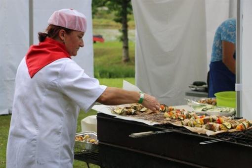 Laukinės virtuvės festivalyje alytiškių pagamintas žuvies patiekalas pripažintas skaniausiu