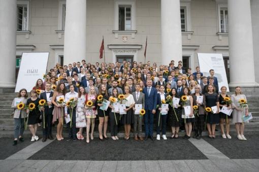 Sostinės abiturientai vėl lyderiauja Lietuvoje – 629 šimtukininkai