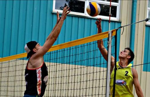 Paplūdimio tinklinio turnyras Radviliškyje subūrė ne tik apskrities sportininkus