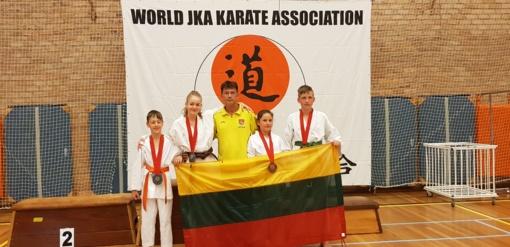 """Shotokan klubo """"KATANA"""" sportininkai iš Europos čempionato grįžo su medaliais."""