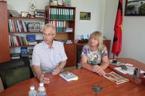 Kelmės rajono savivaldybėje lankėsi prof. habil. dr. Alfonsas Motuzas