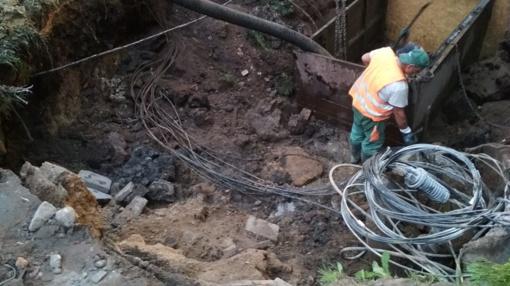 Darbininkams pažeidus kabelius gyventojai liko be interneto ir išmaniosios televizijos