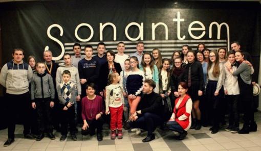 """Projekto nugalėtoju tapęs kalvarijiečių choras """"Sonantem""""  išvyko koncertuoti į Italiją"""