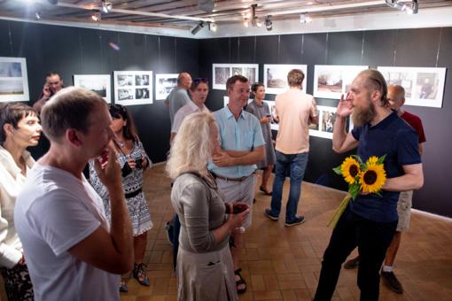 Vilnelės krante skleidėsi fotografija ir gongų meditacija
