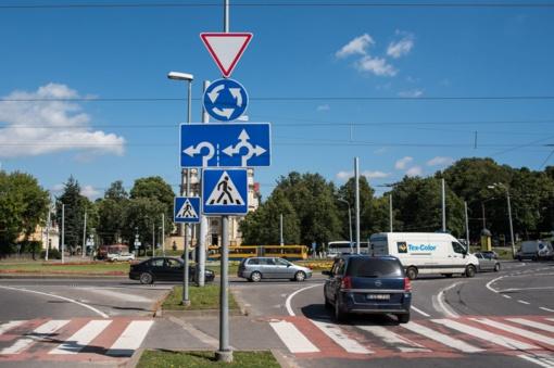 Susisiekimo ministerija siūlo tobulinti Kelių eismo taisykles
