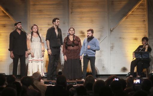 """Romų genocido aukų atminimui - muzikinė pjesė """"SAMUDARIPEN. Mergaitė iš vagono"""""""