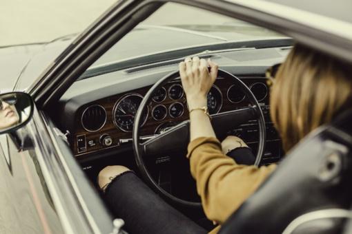 Vairuotojai įvardijo, ką lenkti kelyje jiems sudėtingiausia
