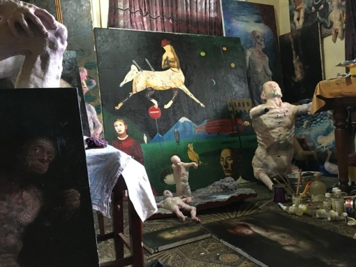 Š. Saukos parodoje Dusetų galerijoje – ir netikėtose istorijose gimę darbai