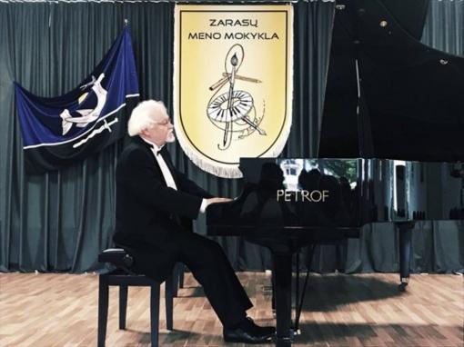 Zarasiškius pakerėjo pianistų grandai koncerte sukūrę nuostabią atmosferą