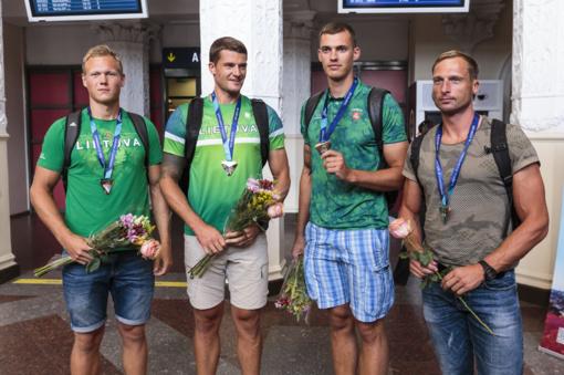 Pasaulio čempionato prizininkai Lietuvos irkluotojai džiaugiasi padidėjusia konkurencija