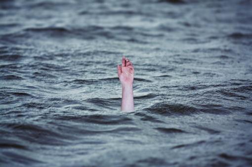Trakuose prie pilies pagrindinio įėjimo į vandenį įkrito žmogus
