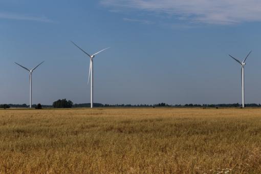 """""""Lietuvos energija"""" įsigijo tris vėjo elektrinių parkus"""