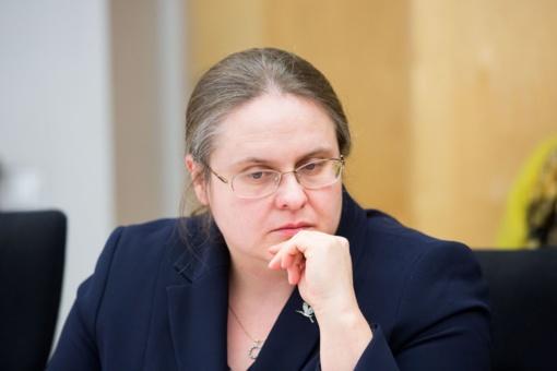 """A. Širinskienė kreipėsi į valstybės institucijas, prašydama įvertinti G. Landsbergio """"įtartino sandorio aplinkybes"""" ir nedeklaruojamas akcijas"""