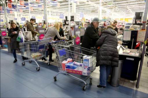Sprendimas dėl prekybininkų nedarbo sekmadieniais ir per šventes – rudenį
